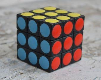 Logic game - Logic cube - Rubik's cube - Magic cube - 3D plastic puzzle - Type rubik's cube - Working game - Unused toy Old educational toy