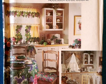 Kitchen Essentials (seat cushion, apron, curtain, tablecloth, mitt) sewing pattern - Simplicity House 8106 - Factory Folds - 1992 - home dec