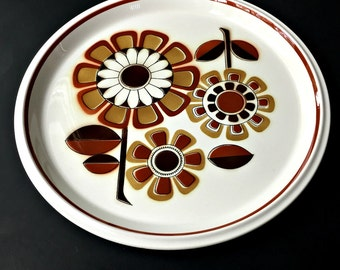 "Mikasa Light and Lively Grenadier Serving Platter.  12 1/2"" D5851 Plate with Flower Design."