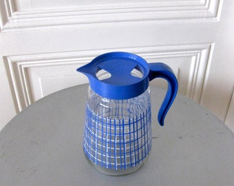 Glass jug, jug from the 1960s, Glasskanne for cold drinks, blue-white stripe decor, glas jug,