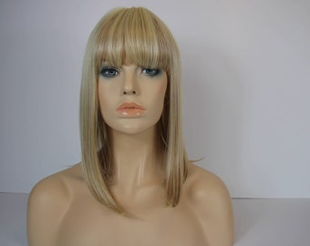 Mixed Blonde Shoulder Lenght Angled  Bob Wig with a Full Fring/Banges