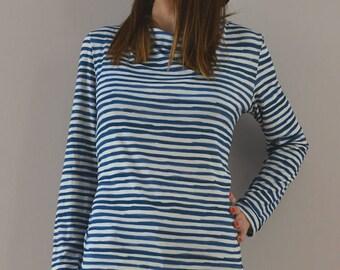 Sweater blue stripe pattern