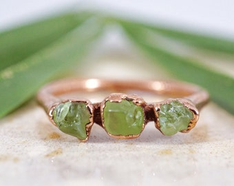 Peridot Copper Ring / Copper Rings / Raw Peridot Ring / Stacking Ring / Solitaire Ring / August Birthstone / Triple Stone Ring