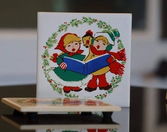 Vintage Pair of Christmas Trivets/ Made in Taiwan/ 1980s Christmas/ Christmas Carolers
