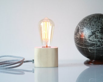 Cube / / to touch dimmer table lamp