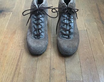 vintage dunhams tyroleans womens sand brown suede leather hiking boots made in italy vibram sole
