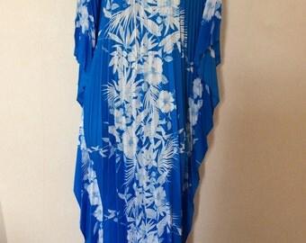 Vintage Royal Creations pleated Hawaiian Muu Muu Caftan Hibiscus print, maxi dress