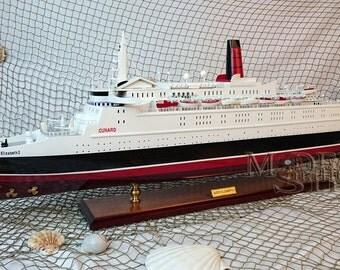 Queen Elizabeth 2 Ready Display Wooden Ship Model