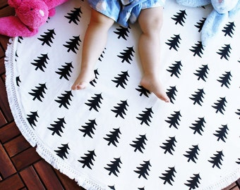 SALE!!Play Mat, Floor Rug Nursery Decor, Padded play mat, Round rug