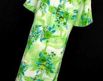 Vintage Hawaiian Dress 14 XL Dress MuuMuu Flowing Green Blue Floral Flower Made In Hawaii Womens Aloha M1
