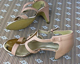 Pink Bandolino High Heels Open Toed Italian Leather Shoes Size 8 1/2 M Women's 90s Heels Shiny Gold Accents Sexy Shoes Chic Stylish Classy