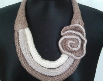 Crochet Necklace With Flower, Crochet Flower, Light Brown, Natural And White Color, Acrylic - Knittee