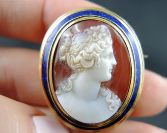 Agate and email - 19th century cameo brooch / / / Cameo brooch with enamel - 19th century