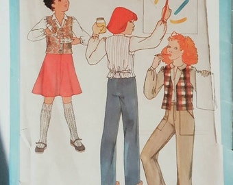 1978 Simplicity 8632 Girls Vest, Skirt and Pants Size 10 UNCUT FF Sewing Pattern ReTrO GrOOvy!