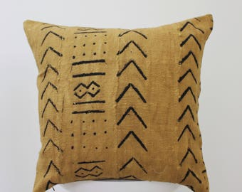African Mud Cloth Pillow Cover Hand Dyed Pattern Decorative Throw Pillow Hand Painted Mud Cloth Fabric Mustard Cushion African Pattern