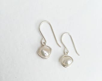 Pearl earrings, sterling silver pearl earrings, natural pearl earrings, silver pearl earrings, dangle pearl earrings, 925 silver pearl