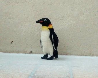 Felted Penguin, bird sculpture, decoration, realistic, gefilztes animal, felt, character, animal, doll, Zoo animal, Zoo