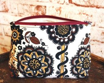 Ltd Vintage 60s Fabric Makeup Bag. 1960s Flower Print. Retro Makeup Bag. Vintage Cosmetic Bag. Vintage Gift. Paisley Makeup Bag. Retro Gift.