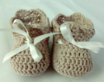 crochet booties for newborn