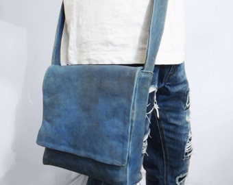 Small messenger bag in blue sheepskin. Made in Italy, near Florence in Tuscany-cross body bag piccola in true mutton