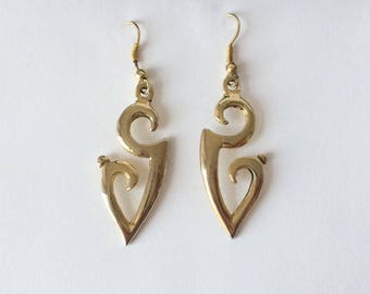Vintage 1970's Gold Dangle Drop Detailed Statement Earrings