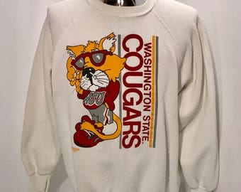1988 Washington State University COUGARS Cartoon Graphic Sweatshirt / Vintage WSU Cougs Marquee Sweatshirt Mens Size MEDIUM/Large
