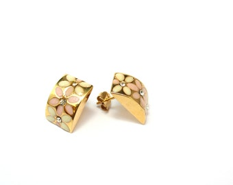 18K Yellow Gold Curved Rhinestone and Enamel Floral Flower Hollow Post Earrings (Thicker Posts)