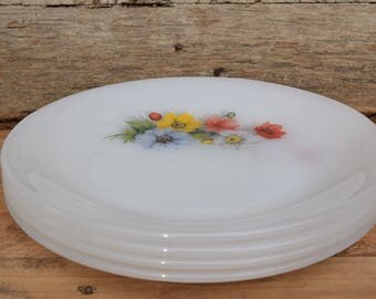 70's / Lot 4 dessert plates / Arcopal Made in France / Anemone pattern / decorated Opaline