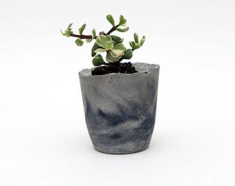 Grey Marbled Concrete Planter