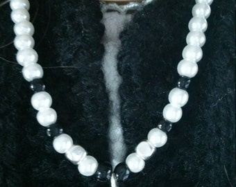 kriswurk Silver heart with pearls