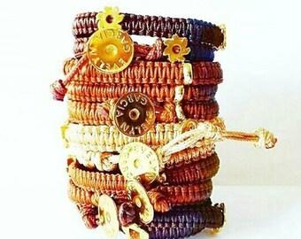 Bracelets in 3 turns in macrame