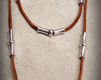 Leather necklace with leather pendant