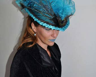 Hat rider blue Peacock