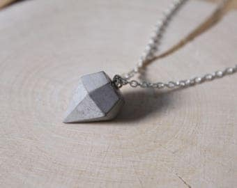 Necklace diamond pendant classic Silver or gold with concrete