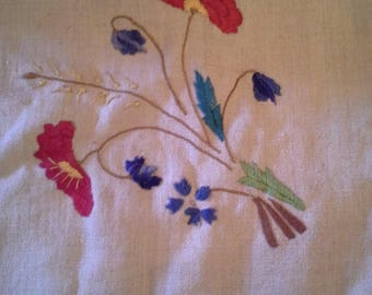 Embroidered  colorful flower white linen table cloth with corchet tatted trim