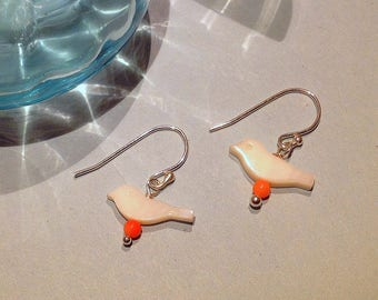 Small earrings in Sterling Silver 925, bird in mother-of-Pearl and mini Pearl Pink coral, fine jewelry, for child or adult