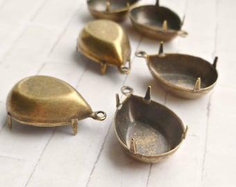 Brass Settings - 6 One Loop 18x13 Pear Settings (62-5-6)