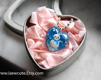 Girl's winter necklace, snowman winter necklace, sparkly heart shaped resin holiday pendant necklace, gift for girls handcrafted by isewcute