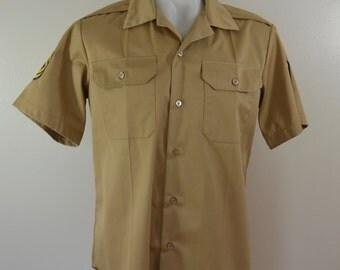 Vintage U.S. ARMY Khaki Tan Short Sleeve Shirt 1976 sergeant stripes patches