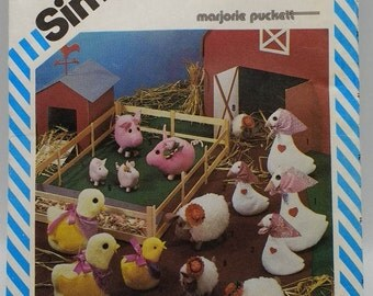 Simplicity 6353 barn yard soft sculpture Pig,Goose,Chic,Sheep Marjorie Puckett  Barnyard Animals Pattern in Two Sizes  Small and Large