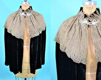 1920s velvet cape | short black velvet deco flapper capelet metallic collar | vintage 20s cape