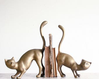 Vintage Brass Cat Bookends / 1970's Boho Decor