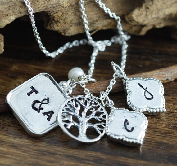 Family Tree Necklace, Tree of Life Necklace, Family Cluster Charm Necklace, Personalized Keepsake Necklace, Mother's Day Gift, Gift for Mom
