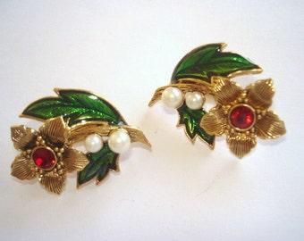 Avon Pearl  Flower  Gold Clip  Earrings