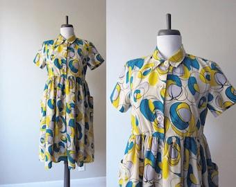 Vintage 1960s Dress / Blue Yellow Mod Optic Print Cotton Shirt Dress Fit & Flare Empire Waist / Size Medium