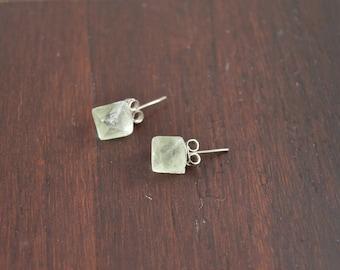 Fluorite Raw Crystal Stud Earrings, Healing Crystal, Natural Stone, Yoga Jewelry, Healing Jewelry, Fluorite Jewelry, Green Stud Earrings