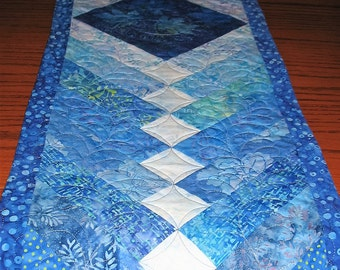 French Braid Table Runner, feather quilting, handmade, blue shades, pieced, patchwork