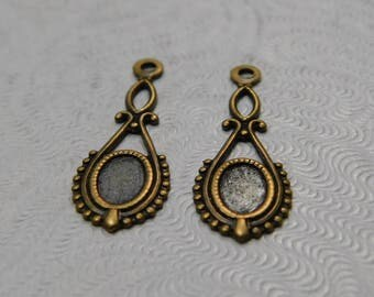 2 pc LuxeOrnaments Oxidized Brass Filigree Delicate Pendant (24x8mm) Setting (6x4mm tray) X428-VJS-B