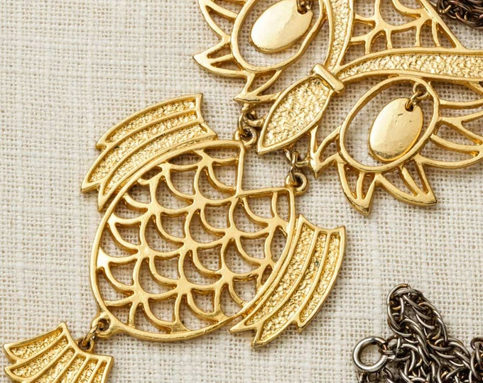 "Vintage Gold Owl Necklace | 24"" inch Single Strand Gold Metallic Metal Very Large Bird Pendant Statement Dangling Piece Cut Out Animal 5E"