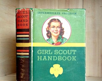 Vintage Girl Scout Handbook 1946 Intermediate Program with Dust Jacket Kelly Green Cloth Girl Scouts of America Vintage Book